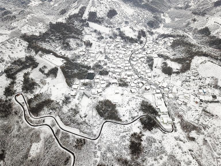 儿童雪景手绘图